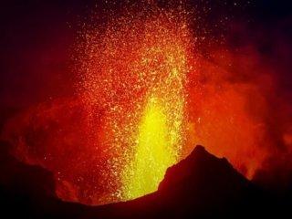 explosion-volcano