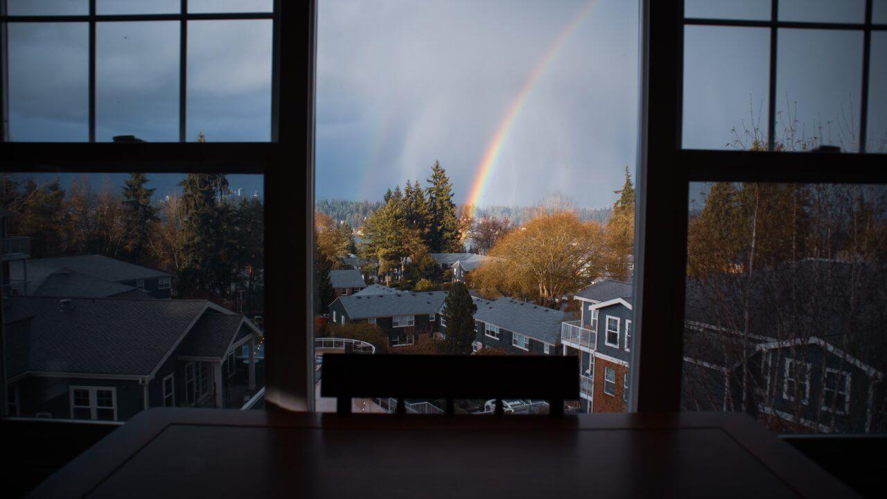 窓からの街の景色